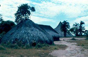 F-04833-Indigenas-Piaroa-Venezuela-1979-CONAC-INIDEF