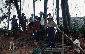 F-04957-Yanomami-Amazonas-1966-Carmen-Dyna-Guitian-Pedrosa-de-Sombrero