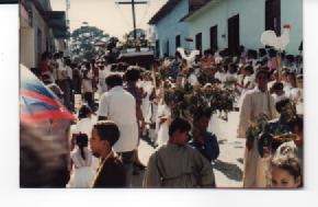 F-0346-SSanta-Procesion-Jueves-Santo-Tacarigua-Mamporal-Miranda-1985-EAGO