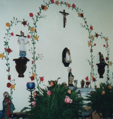 F-02674-Altar-Familiar-Pared -Central-Oratorio-Rosa-Mistica-El-Hatillo-Miranda-07-11-2003-MTP