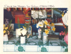 F-00482-TdC-140-Velorio-Cruz-M-S-Juan-Soapire-1986-IPC-300x229