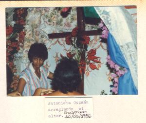 F-00513-TdC-140-Velorio-Cruz-M-S-Juan-Soapire-1986-IPC-300x252