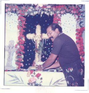 F-00560-TdC-0143-Velorio-Cruz-El-Cuartel-Catia-Caracas-1986-IPC-UPEL