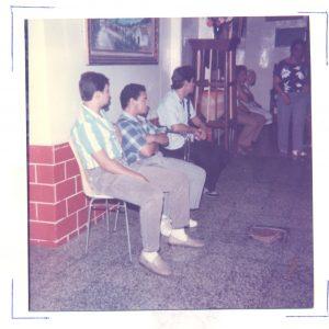 F-00571-TdC-0143-Velorio-Cruz-El-Cuartel-Catia-Caracas-1986-IPC-UPEL
