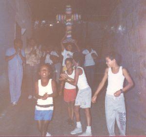 F-01762-TdC-0222-Cruz-Mayo-Barrio-Marin-San-Agustin-Caracas-1987-IPC-UPEL