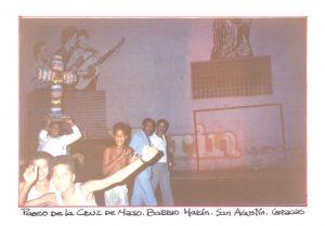 F-01765-TdC-0222-Cruz-Mayo-Barrio-Marin-San-Agustin-Caracas-1987-IPC-UPEL