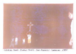 F-01769-TdC-0222-Cruz-Mayo-Barrio-Marin-San-Agustin-Caracas-1987-IPC-UPEL