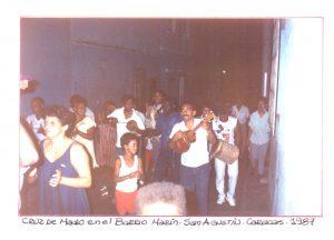 F-01771-TdC-0222-Cruz-Mayo-Barrio-Marin-San-Agustin-Caracas-1987-IPC-UPEL