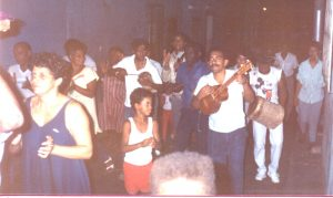 F-01772-TdC-0222-Cruz-Mayo-Barrio-Marin-San-Agustin-Caracas-1987-IPC-UPEL