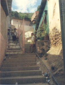 F-01840-TdC-0226-Cruz-Mayo-Ballaja-Macuto-Vargas-1987-IPC-UPEL