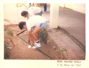 F-01950-Cruz-Mayo-Alberto-Ravell-El-Valle-Caracas-1987-IPC-UPEL