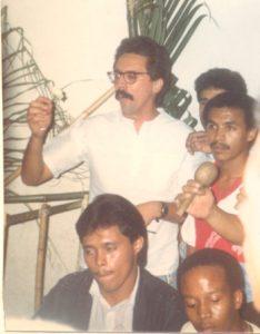F-01990-Cruz-Mayo-Alberto-Ravell-El-Valle-Caracas-1987-IPC-UPEL