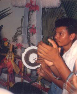 F-02033-Cruz-Mayo-Alberto-Ravell-El-Valle-Caracas-1987-IPC-UPEL