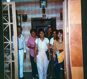 F-04096-TdC-0143-Velorio-Cruz-El-Cuartel-Catia-Caracas-1986-IPC-UPEL