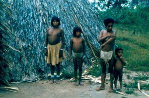 F-04835-Indigenas-Piaroa-Venezuela-1979-CONAC-INIDEF