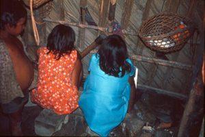 F-04863-Indigenas-Piaroa-Venezuela-1979-CONAC-INIDEF