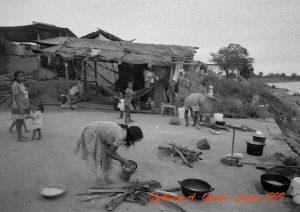 F-09457-1999 Feb Preparando la comida en Barrancas copy