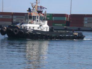 F-02521-Barcos-Remolcador-La-Guaira-Vargas-agosto-2014-NAMJPG