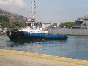 F-02525-Barcos-Remolcador-La-Guaira-Vargas-agosto-2014-NAMJPG