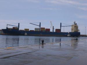 F-02536-Barcos-Buque-Carga-Seca-La-Guaira-Vargas-agosto-2014-NAMJPG