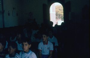 F-04412-Coche-Nueva-Esparta-1993-Foto-Moraiba-Tibisay-Pozo